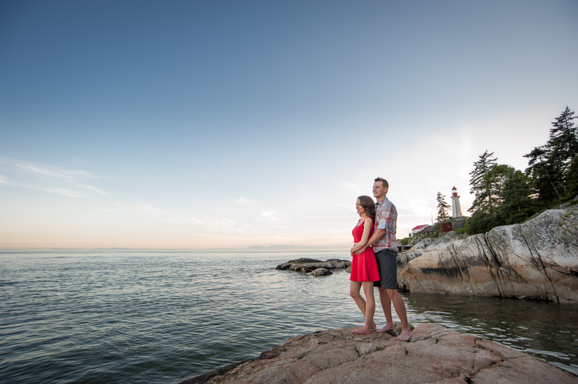 lighthouse park couple sunset