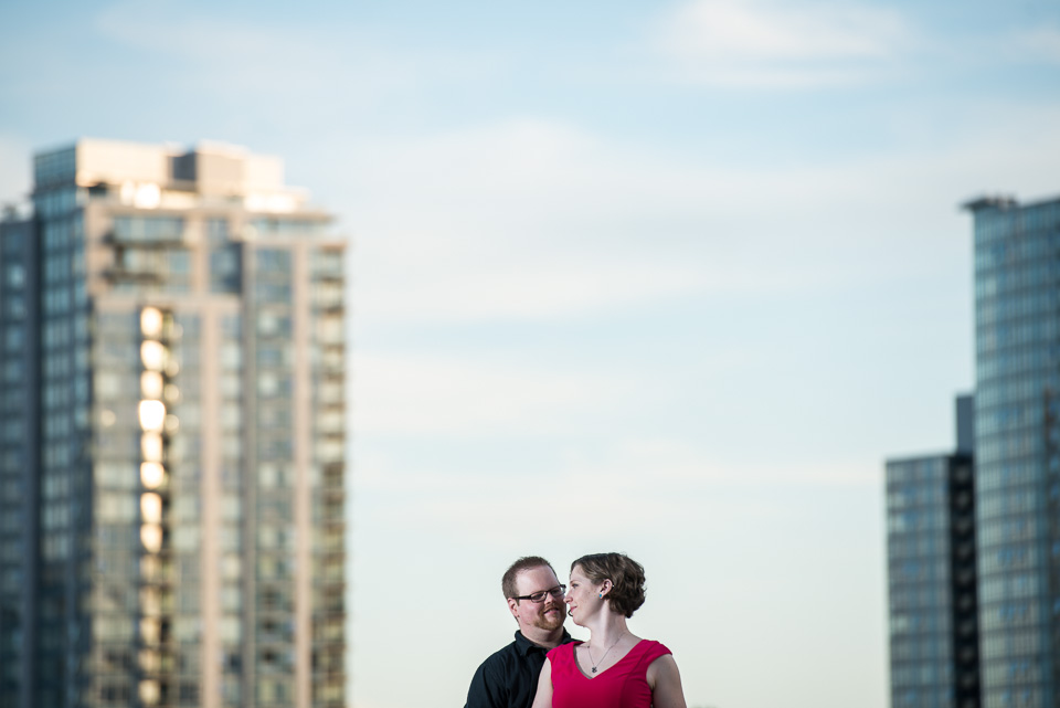 rooftop-couple-gastown