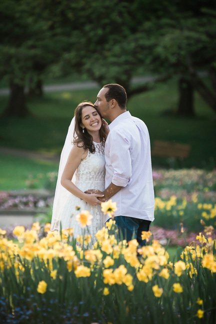 tulip-wedding-couple-photography