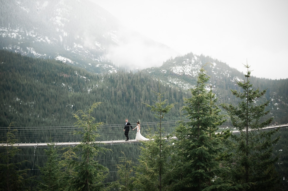 wedding-suspension-bridge-squamish