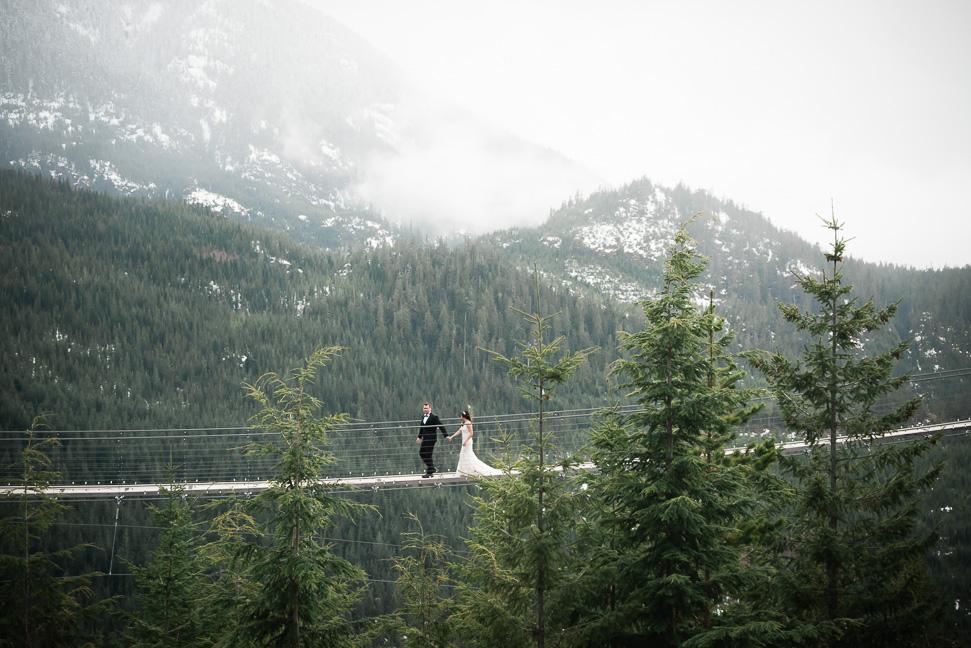 wedding-suspension-bridge-squamish