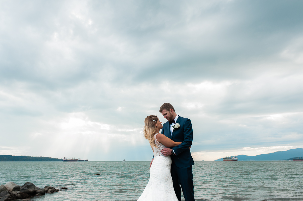 second-beach-stanley-park-wedding