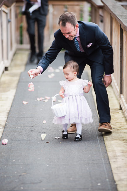 entusiastic-flower-girl-dad