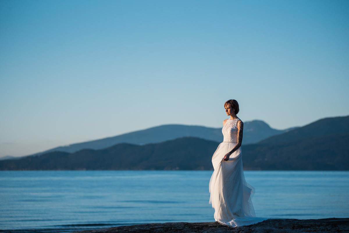 Wreck Beach photos by vancouver wedding photographer Tanja