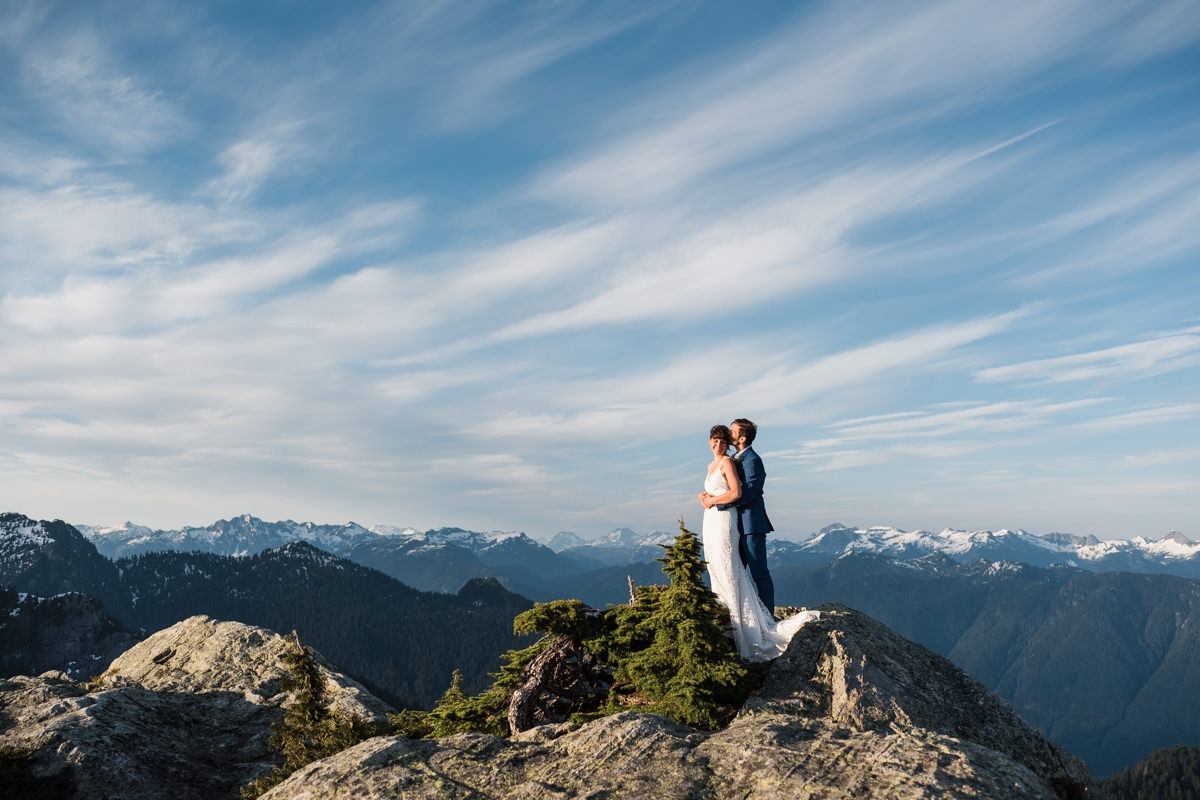 adventurous hiking elopement in Vancouver