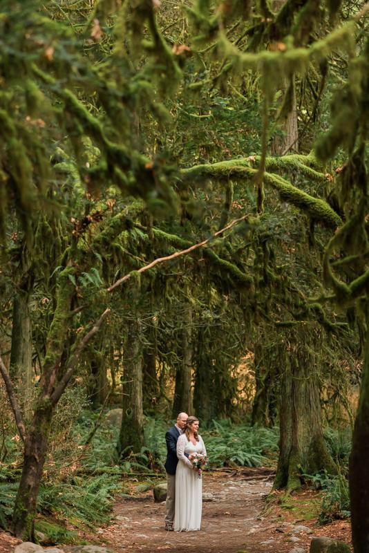 PNW moss forest wedding photos