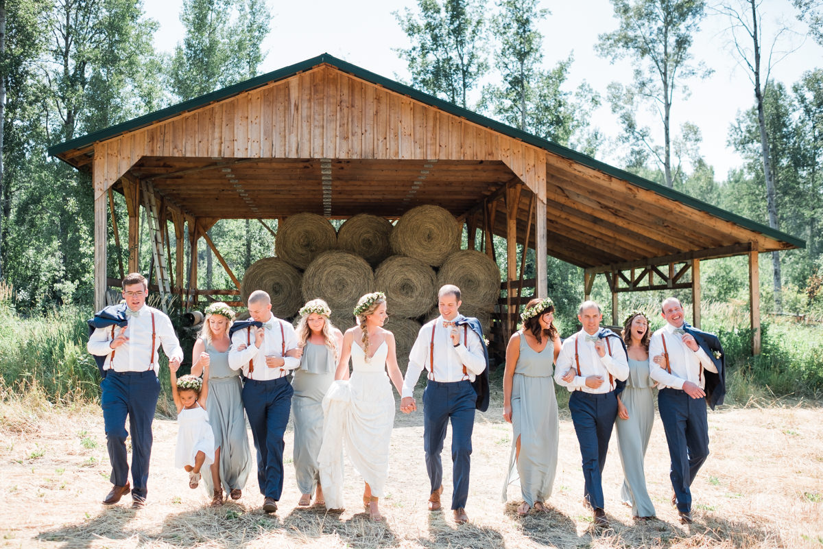 rustic barn wedding photographers