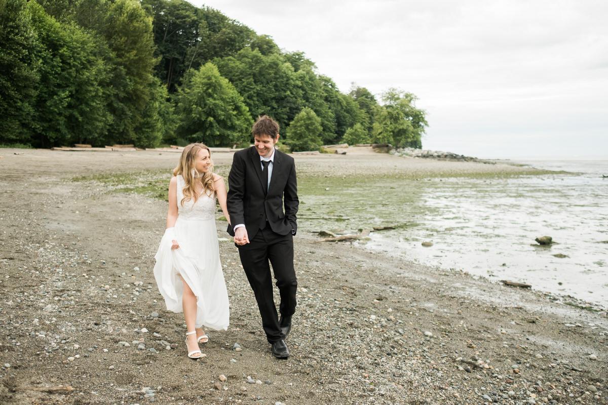 vancouver beach wedding photos