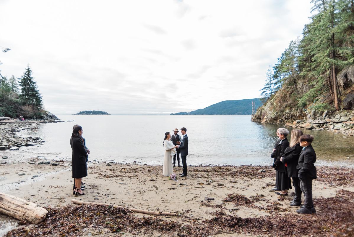 west vancouver beach wedding ceremony