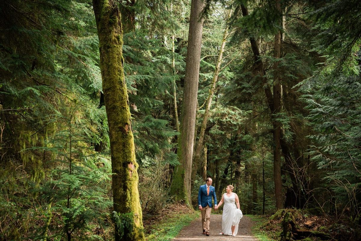 Stanley Park elopement in Vancouver