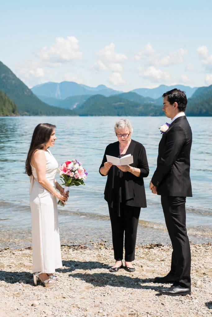 Alouette Lake elopement ceremony in Maple Ridge