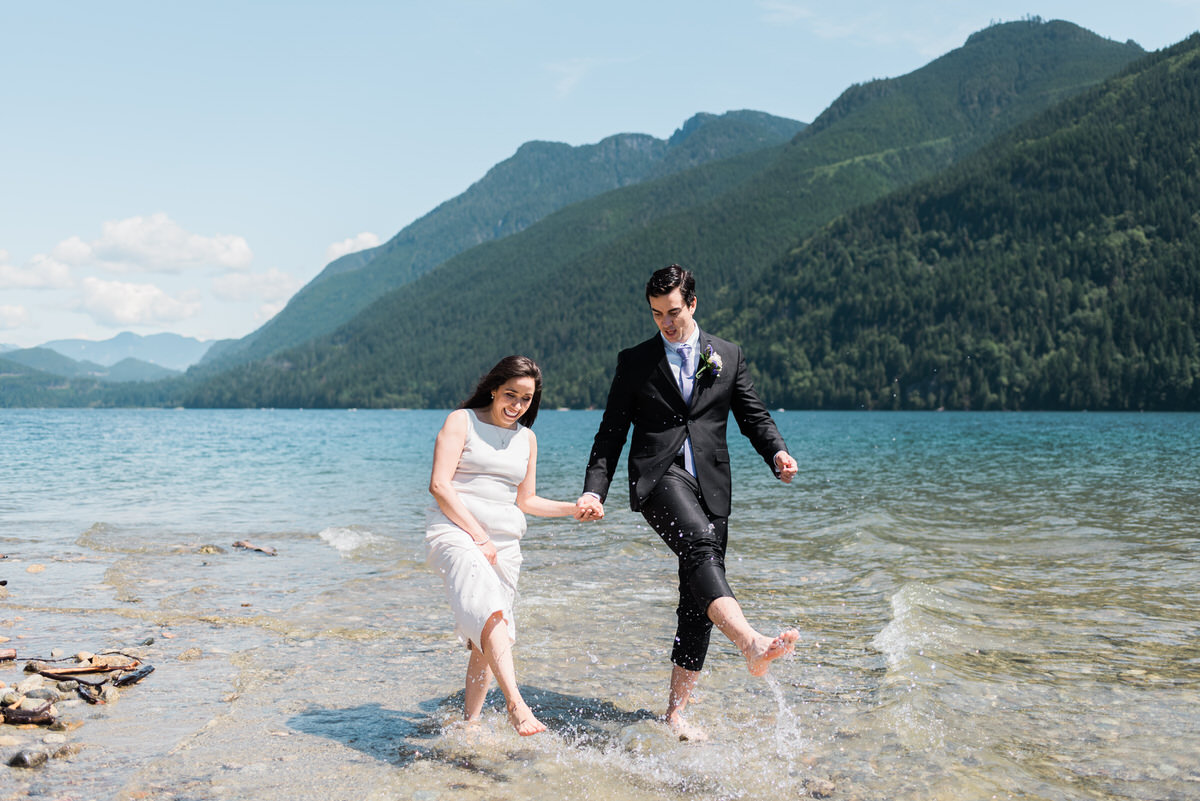 Maple Ridge elopement at Alouette Lake