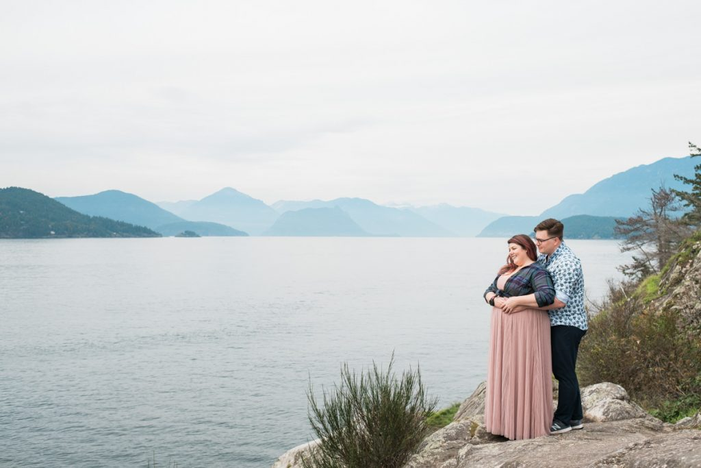 engagement session in Whytecliff Park