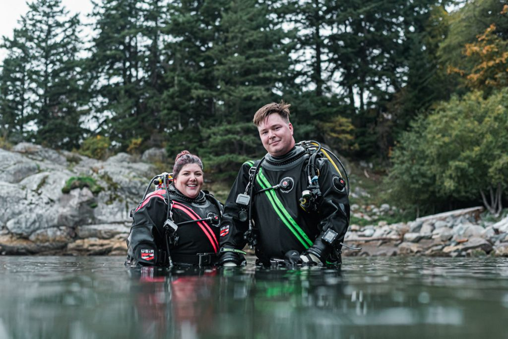 divers couple photos