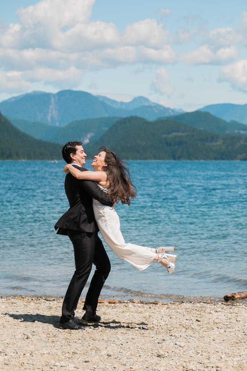 Vancouver elopement photographers