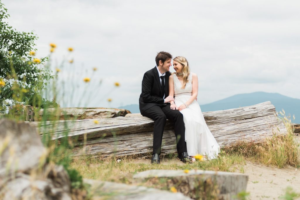 Vancouver beach elopement photos